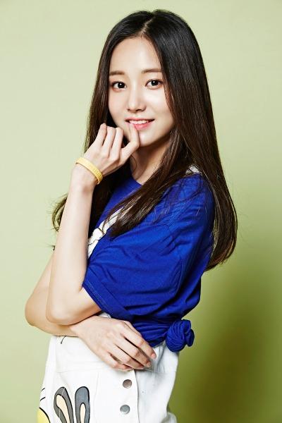 momoland-yeonwoo
