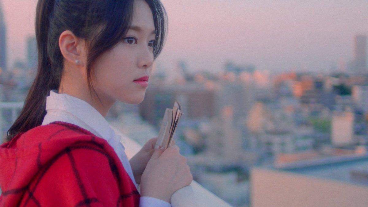 loona-hyunjin-cap2